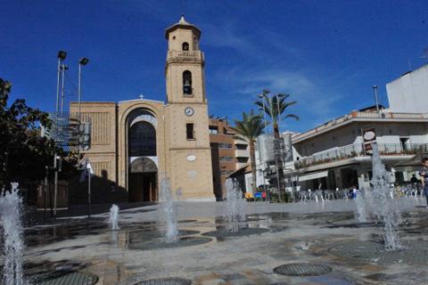 Plaza de la Iglesia, Pilar de la Horadada