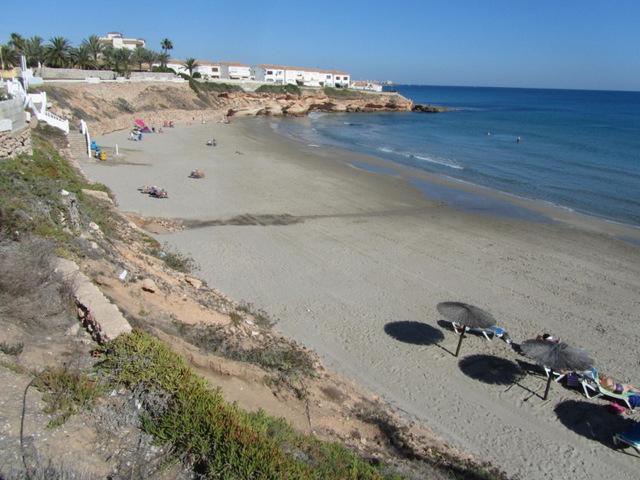 Cala Cerrada beach, Orihuela (La Zenia)