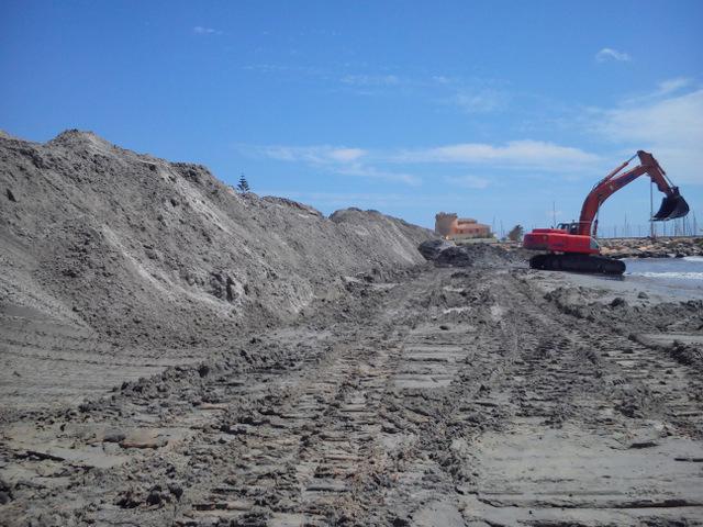 Pilar de la Horadada seeks permanent beach erosion solution