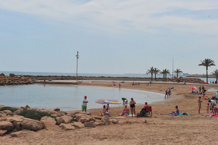 Alicante today torrevieja beaches piscinas naturales for Piscinas naturales andalucia
