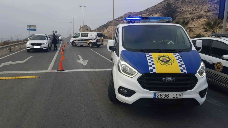 Alicante police issue 105 fines and break up 12 house parties on Saturday