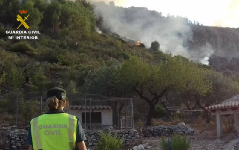 80-year-old arrested in Alicante for setting forest fires in the Marina Alta area
