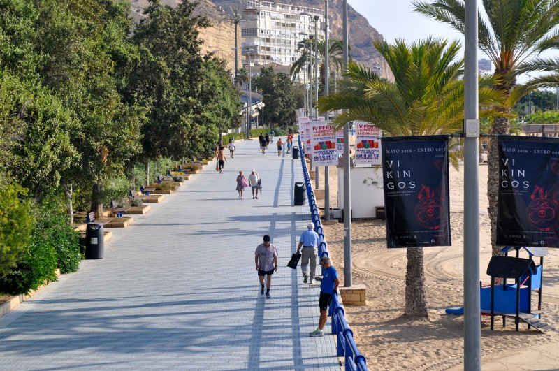 Playa del Postiguet, el Postiguet beach in Alicante City