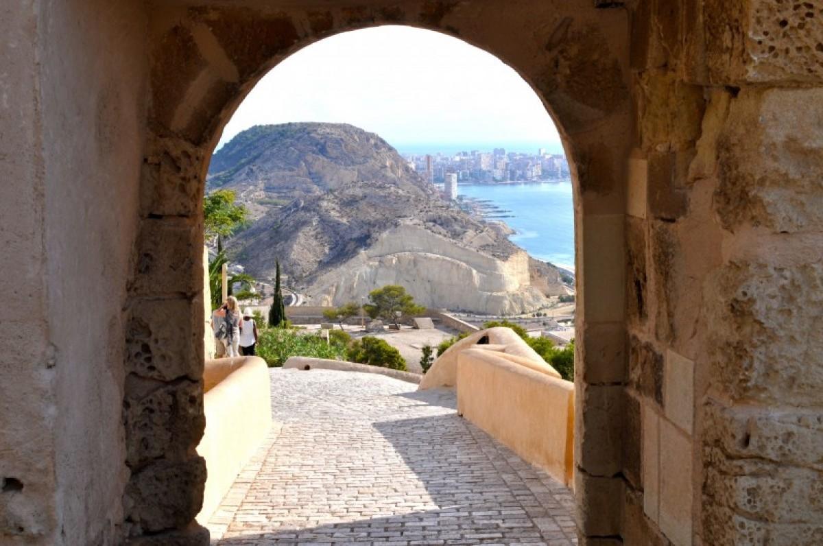 Castillo de Santa Barbara, Alicante castle