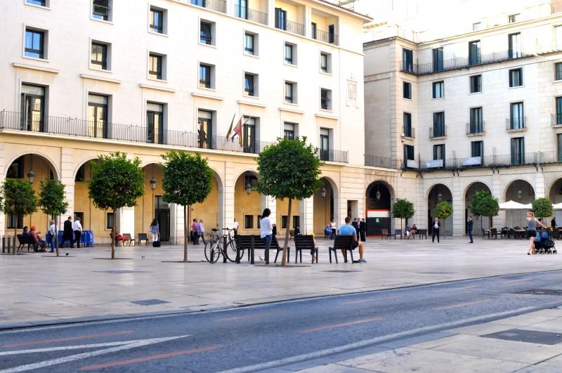 La Plaza del Ayuntamiento in Alicante