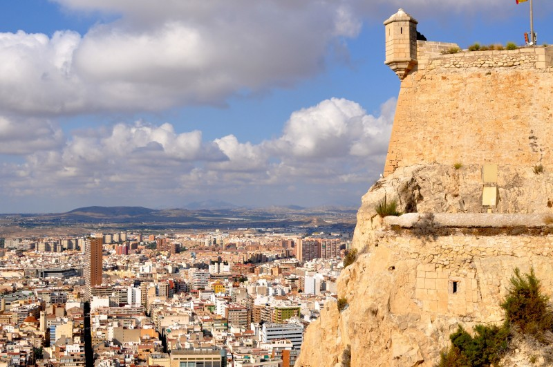 Morning out in Alicante route 3: Castle and el Barrio de Santa Cruz