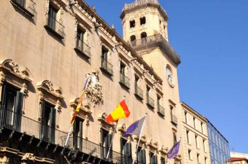 Alicante Town Hall to open historic buildings to the public