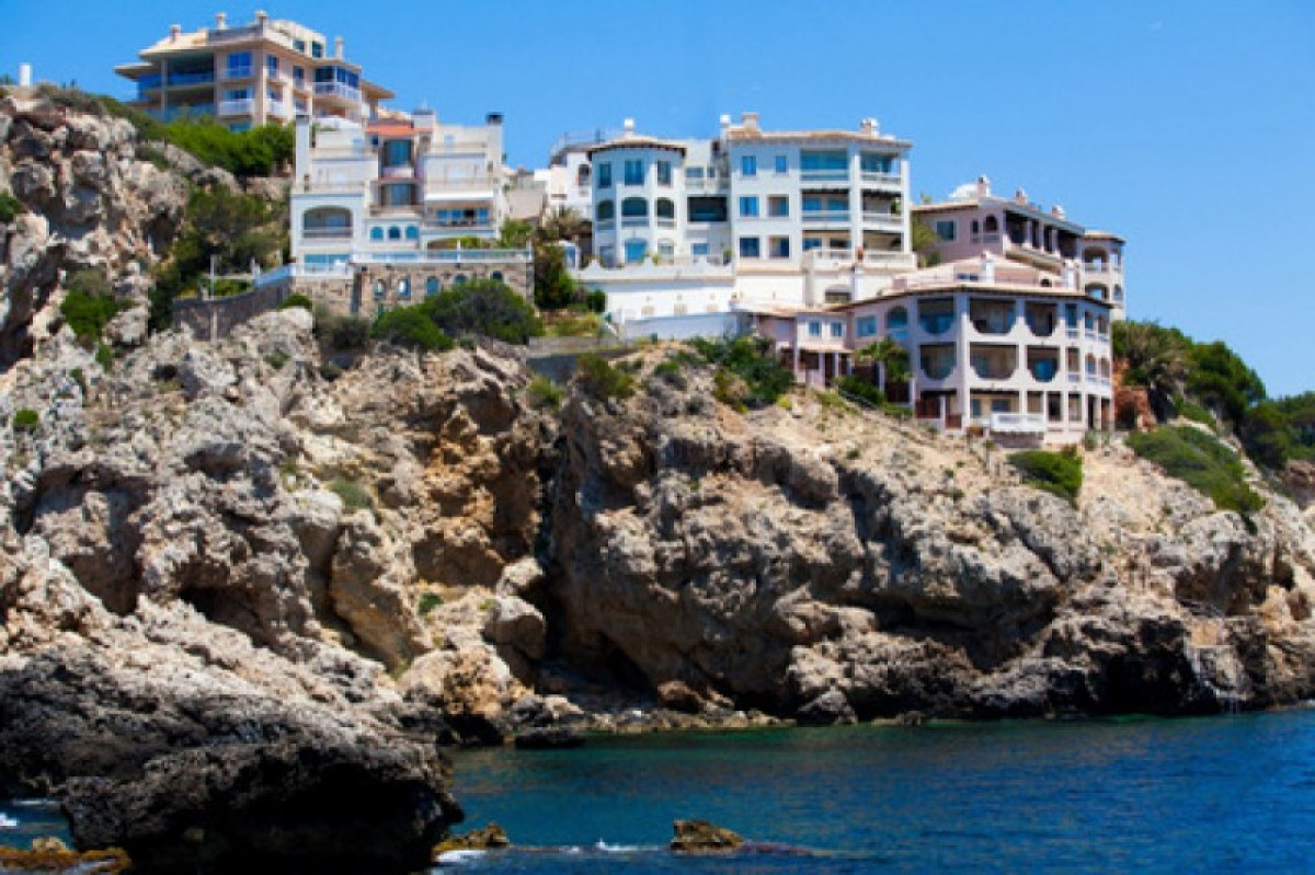 Alicante property sales hit nine-year high in March