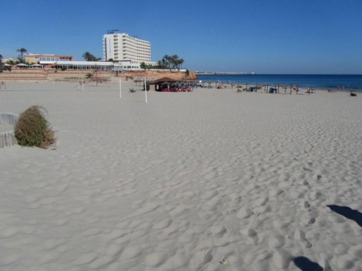British father and son rescued off the beach of La Zenia in Orihuela Costa