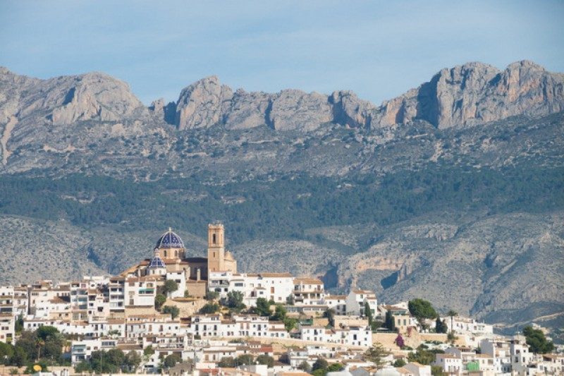 Alicante property sales up by 20 per cent in August