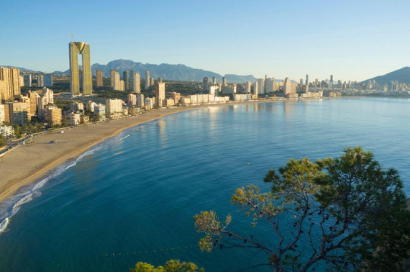 Benidorm skyscraper sold to US mortgage fund