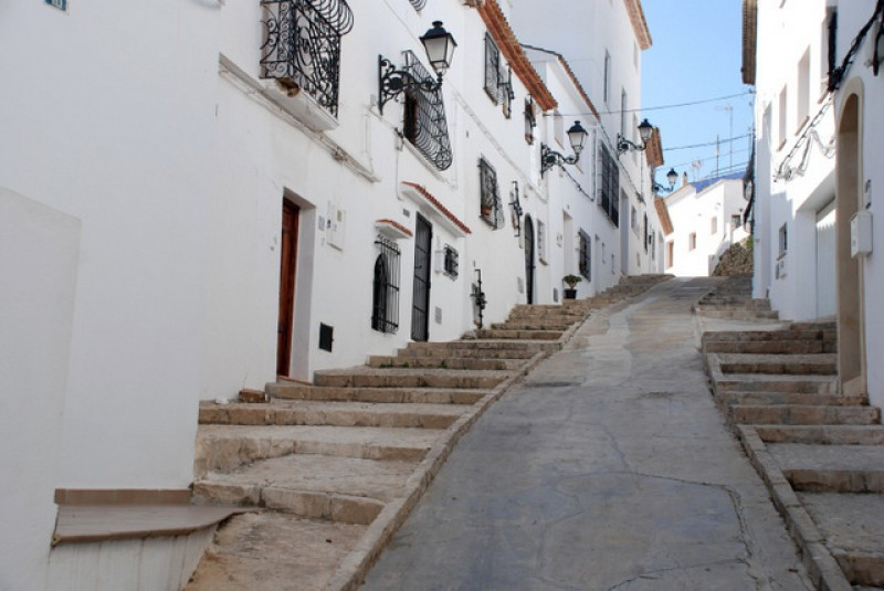Alicante property market in November last year: more sales but fewer mortgages