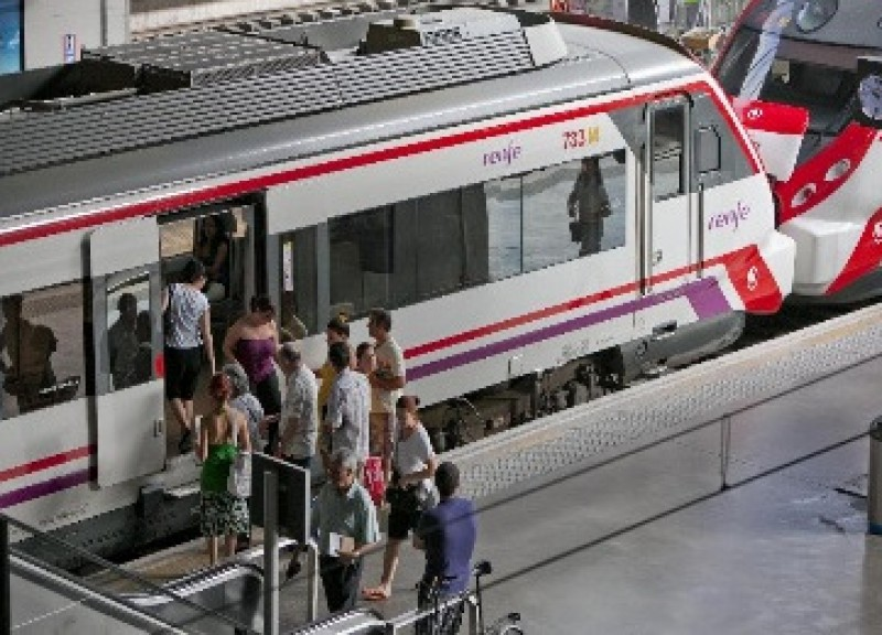 Renfe expands its weekend train service between Alicante and Barcelona