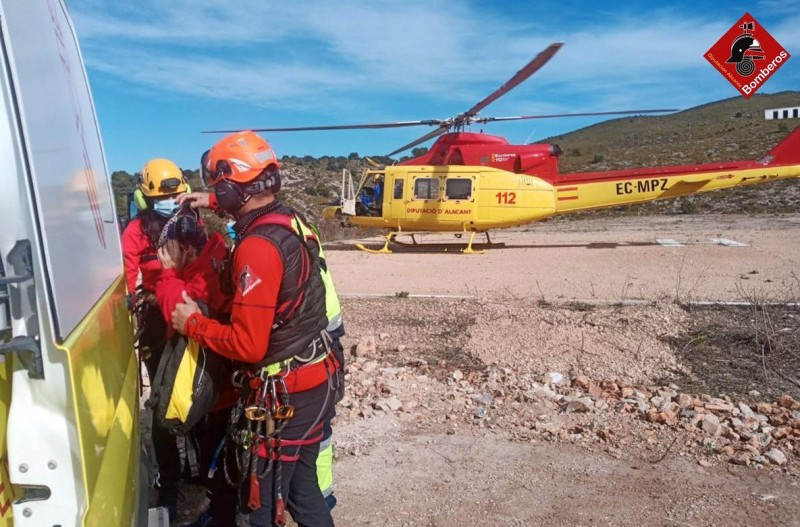 Three helicopter rescues in one day for Alicante rescue services