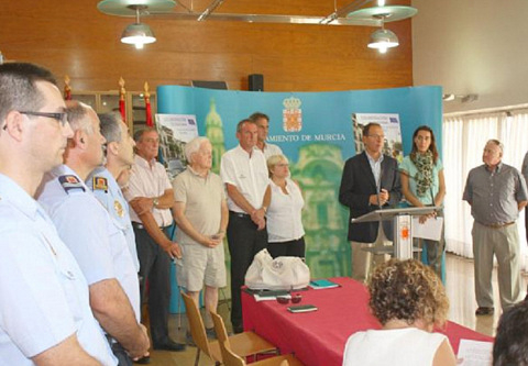 <span style='color:#780948'>ARCHIVED</span> - Mayor of Sucina rubbishes English-speaking police plan