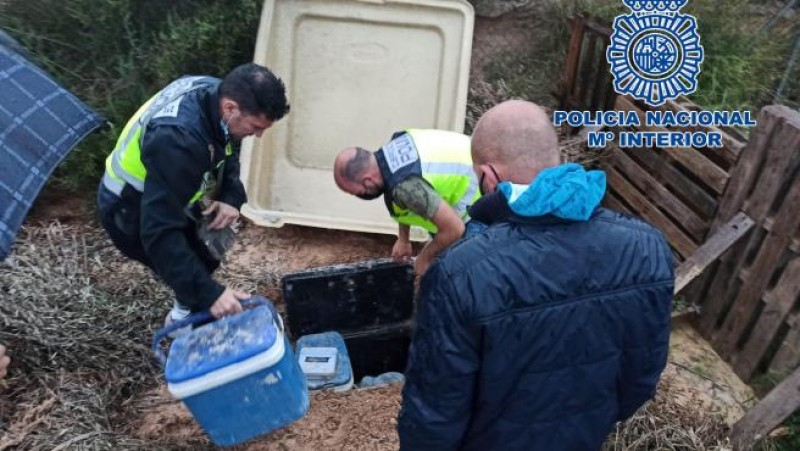 <span style='color:#780948'>ARCHIVED</span> - Elche police find 6 kilos of drugs buried in an underground pit on rural property