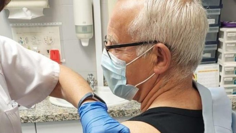 <span style='color:#780948'>ARCHIVED</span> - 73-year-old Valencia Mayor complains vociferously on social media about not being vaccinated