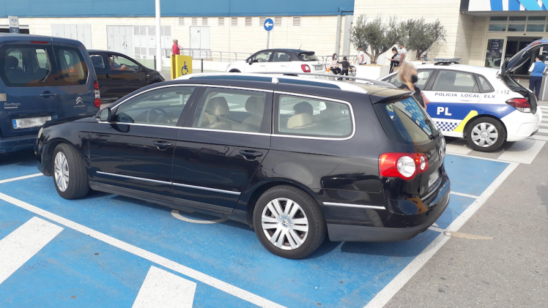 <span style='color:#780948'>ARCHIVED</span> - Elche police probe fraudulent use of disabled parking badges by the dead