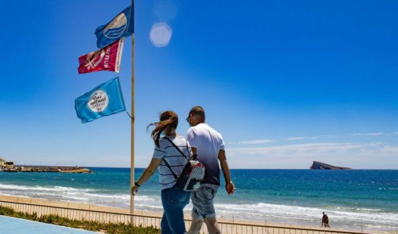 Benidorm sets beach and cove opening hours for Costa Blanca bathing