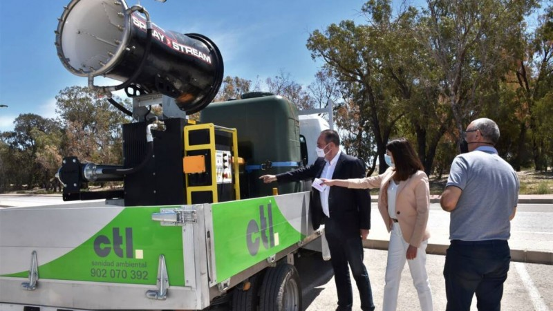 <span style='color:#780948'>ARCHIVED</span> - Elche brings in the big guns for fight against mighty mosquitoes