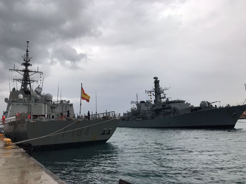 <span style='color:#780948'>ARCHIVED</span> - British Navy frigate HMS Kent docks in Alicante Port on the Costa Blanca
