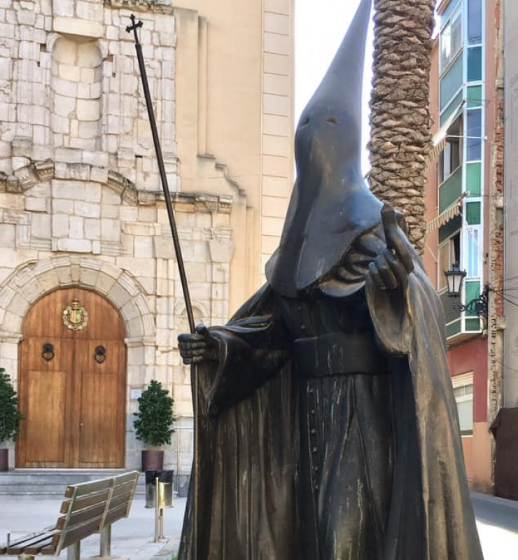 <span style='color:#780948'>ARCHIVED</span> - Orihuela statue vandalised in broad daylight