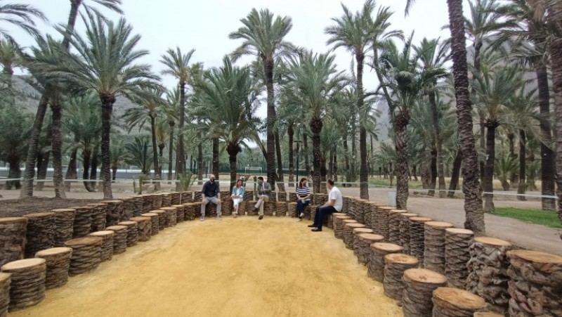<span style='color:#780948'>ARCHIVED</span> - Orihuela Palm Grove opens new visitor area