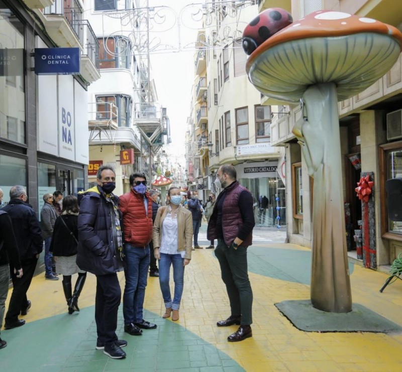 Alicante hosts first San Juan shop window contest to boost local trade