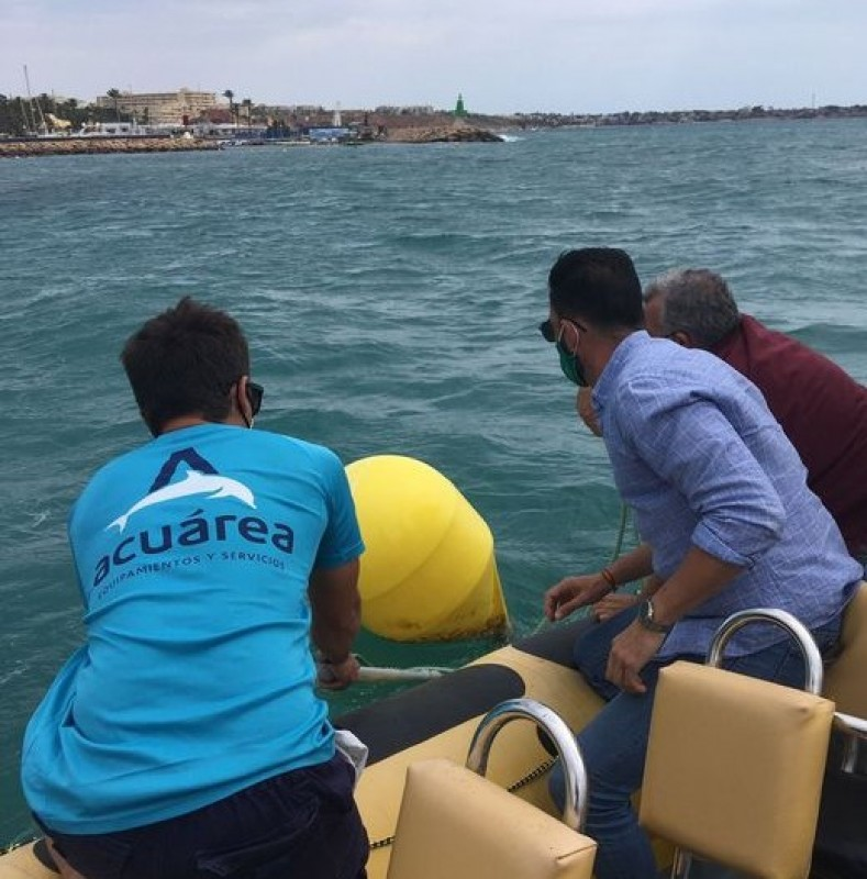 <span style='color:#780948'>ARCHIVED</span> - Ecological beacons anchored along Orihuela coastline to protect the seabed