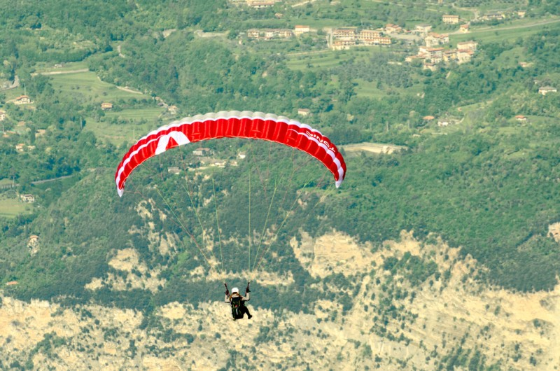 <span style='color:#780948'>ARCHIVED</span> -  Paraglider pilot suffers broken hip and femur during accident in the Sierra Espuña