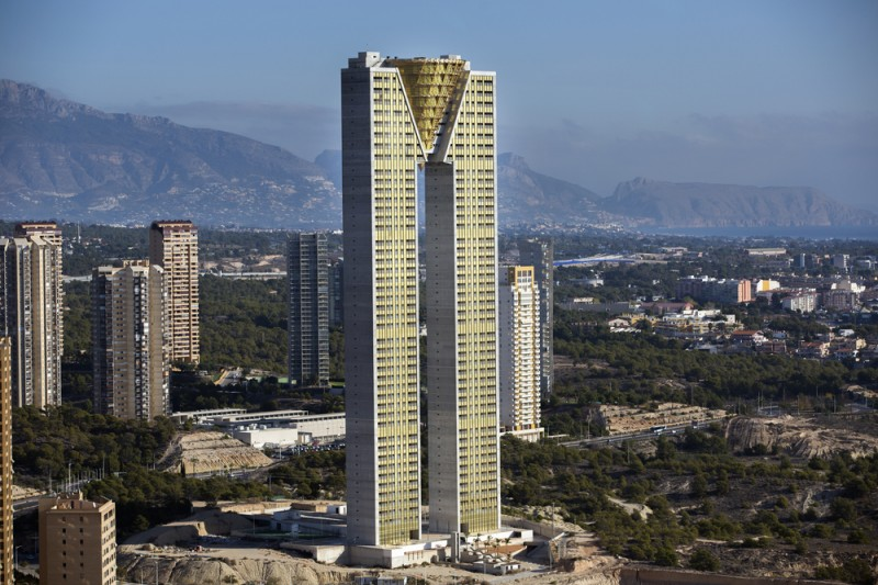 <span style='color:#780948'>ARCHIVED</span> - 15-year saga draws to an end as Benidorm Intempo skyscraper nears completion
