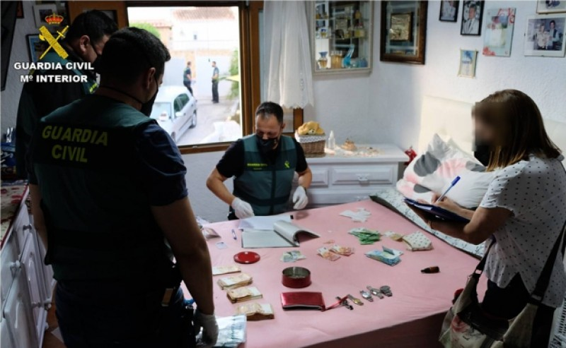 Arrests as police shut down drug outlets across Alicante province