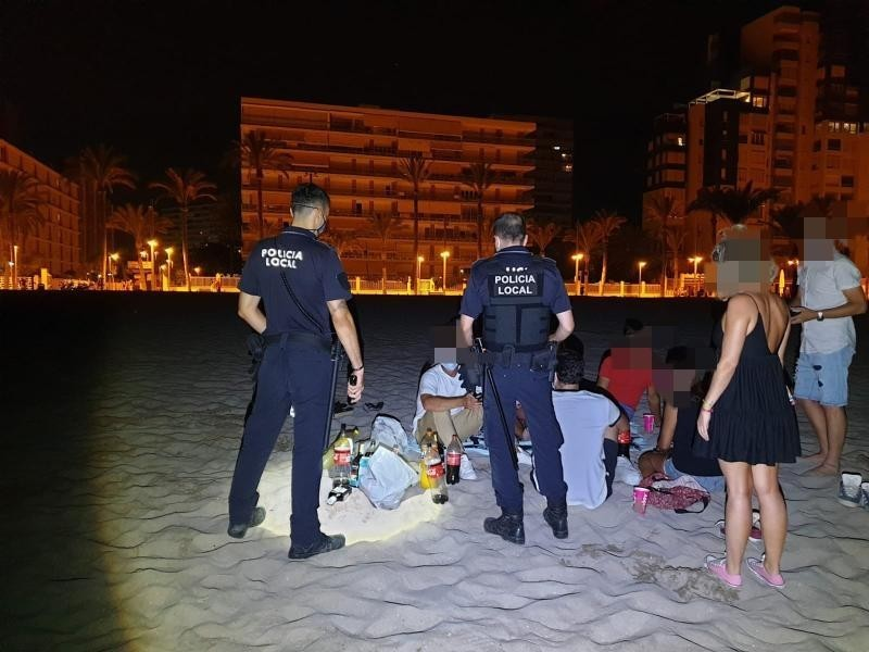Botellon street drinking sessions rage on across Alicante province
