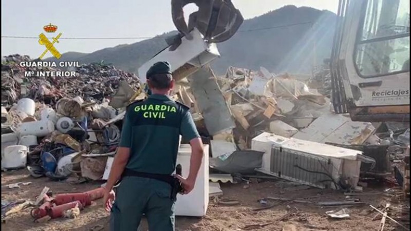 Alicante firms in electrical waste pollution probe