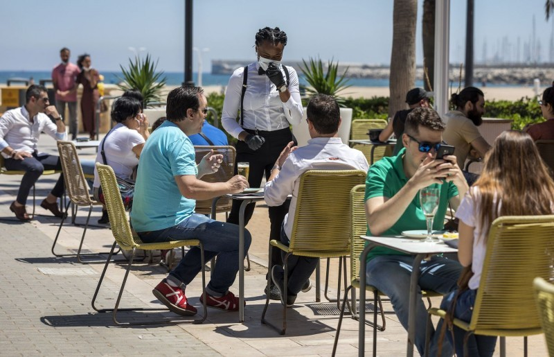 Tourist bookings on the Costa Blanca hit by increased infections and restrictions