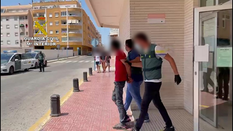 <span style='color:#780948'>ARCHIVED</span> - Arrest in Torrevieja after man stabbed in neck and left for dead in car