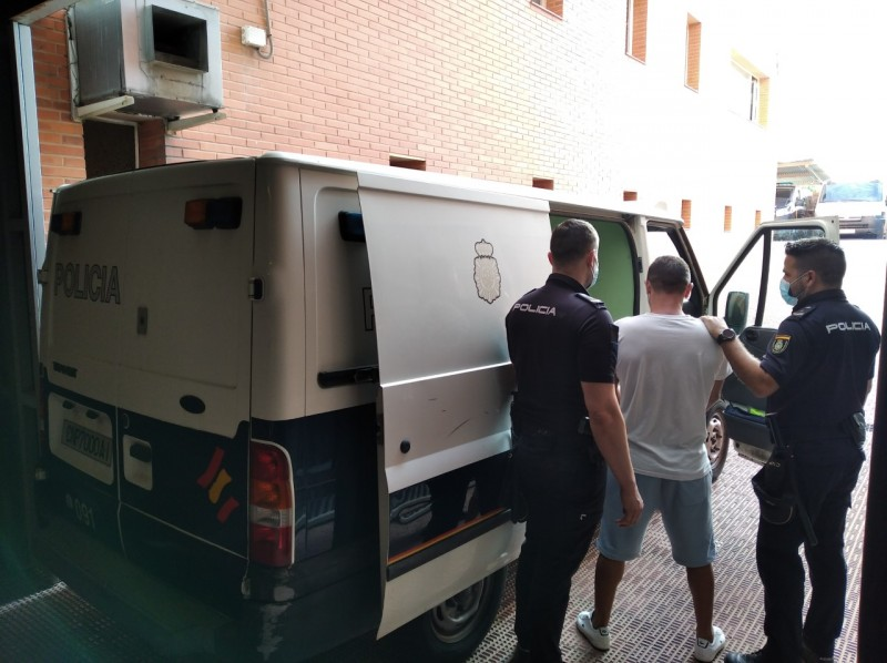 <span style='color:#780948'>ARCHIVED</span> - Gang of thieves using military tactics targeted tourists at Alicante airport