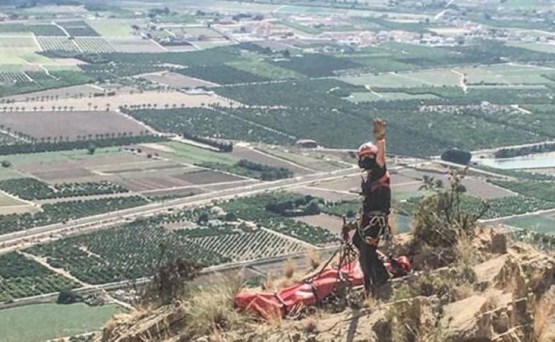 Climber in helicopter rescue after mountain rock slide in Callosa de Segura
