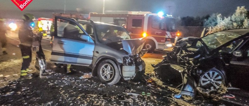 Two children and four adults injured in head-on horror crash in Alicante