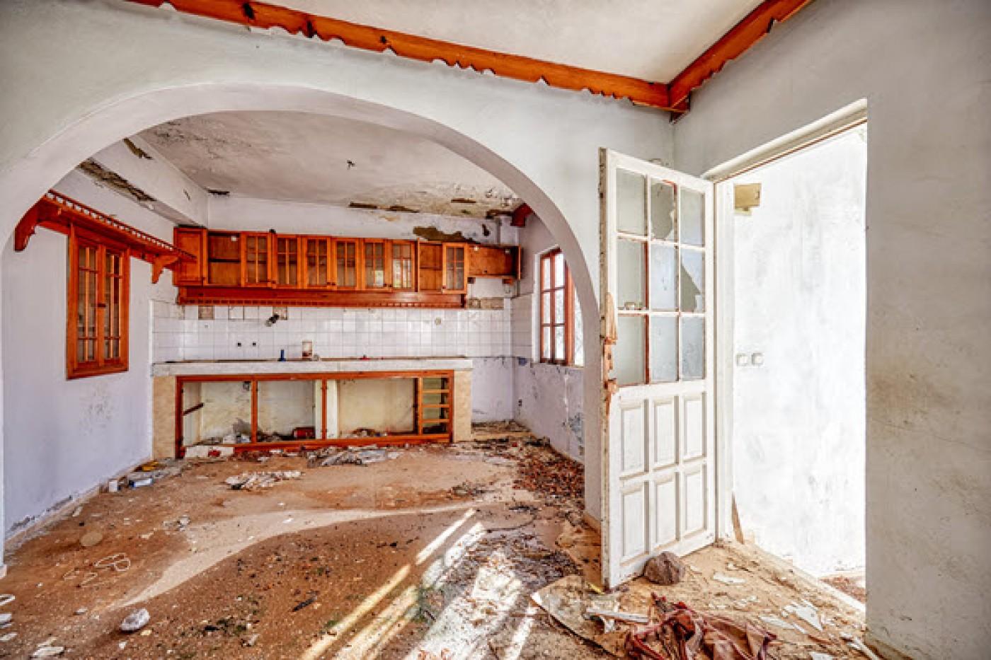 Vesta Vigilar squatter prevention for holiday homes along the Spanish Costas